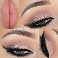 Gold eye makeup - Smokey eyeliner - Nude lips