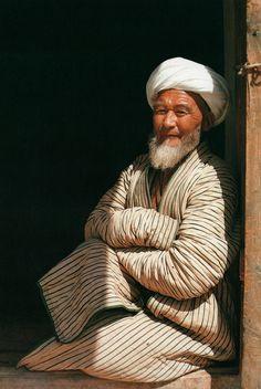 endilletante:  Memoires de l'Afghanistan de Roland et Sabrina Michaud, Editions Le Chene, 1985.