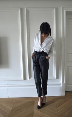 LoLoBu - Women look, Fashion and Style Ideas and Inspiration, Dress and Skirt Look Style Outfits, Mode Outfits, Office Fashion, Work Fashion, Diy Fashion, Looks Style, Style Me, Black And White Outfit, Black White