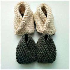 Crossover Baby Booties FREE Knitting Pattern