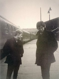 See Nick Drake pictures, photo shoots, and listen online to the latest music. John Martyn, Drake Photos, Tim Buckley, Nick Drake, Sufjan Stevens, Grace Jones, Idole, Pink Moon, Music Images