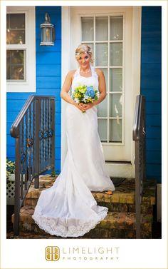 #wedding #photography #weddingphotography #destinationwedding #beachwedding #beach #tweenwatersinnresort #captiva #captivaisland #florida #stepintothelimelight #limelightphotography #bride #bouquet #lemondrops #flowercrown #weddingdress #portrait #blue #white #green