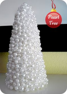 [Oh Christmas Tree Series] Pearl Tree via bliss bloom blog.  I want to do this one for sure.. Thanks..
