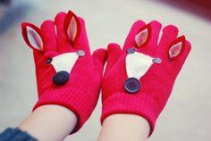 Super cute fox gloves!