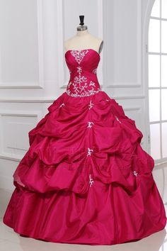 I love it  it would be a great wedding dress or prom dress!! ❤️