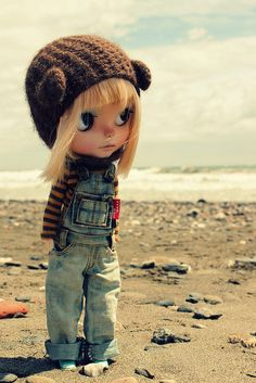 My mind has no boundaries.... by Vainilladolly, via Flickr     #doll #toy #blythe