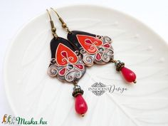 Édua - tűzzománc fülbevaló (fekete-piros) (InnocentDesign) - Meska.hu Mandala, Drop Earrings, Jewelry, Design, Fashion, Jewlery, Moda, Jewels, La Mode