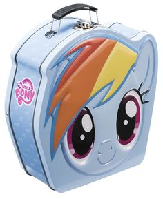 My Little Pony fans now there is a Rainbow Dash lunch box for your school or work lunches. This is a metal lunch box that is shaped a bit like Rainbow My Little Pony Poster, Little Pony Cake, Baby Girl Toys, Toys For Girls, My Little Pony Balloons, Kids Toy Shop, My Little Pony Backpack, Tin Lunch Boxes, Lunch Bags