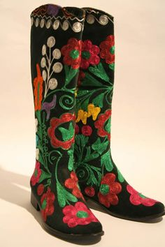 Suzani Boots Buy Online. Embroidered Boots For Sale.