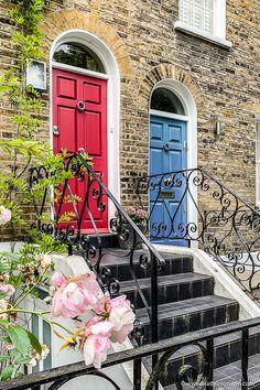 Hampstead, London's Secret Village - A Lovely Guide to The Area London Free, East London, London City, North London, Hampstead House, Hampstead London, Hampstead Heath, London Neighborhoods, London Attractions