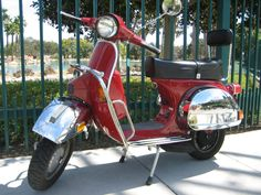 http://scoot.net/classifieds/images/16375/1985-Vespa-PX150E.jpeg