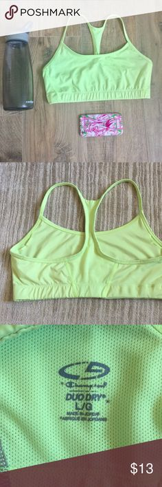 🔸NEW🔸Sports Bra Low impact sports bra with cute skinny straps. Perfect condition: no stains, holes, snags etc. The color is a fun yellow green. Additionally, it has a cute mesh panel that runs up the center of the back. 84% polyester 16% spandex 🚭non smoking home Champion Intimates & Sleepwear Bras