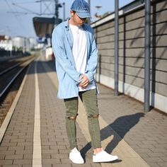 Today Im Wearing An Oversized Blue Shirt By @asos, Bull Denim Jeans By @zara, Basic Longline White Tshirt By @asos_de, Cap By @calvinklein, Chain By @apc_paris And Shoes By @adidasoriginals Stan Smith Pk. Hope You Rock Your Day :) ---- Follow Me On Instagram As Well https://www.instagram.com/achmedlachned/ --- #zara #mens #streetstyle #calvinklein #stansmith #adidasoriginals #lookoftheday #fashion #oversized #shirt #destroyed #jeans #asos #austria #follow #blog #vienna #bulldenim