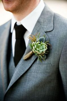 Great 20+ Beautiful and Cool Winter Boutonniere https://weddmagz.com/20-beautiful-and-cool-winter-boutonniere/
