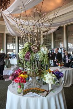 Flowers by: Carey Roberts Design Co.