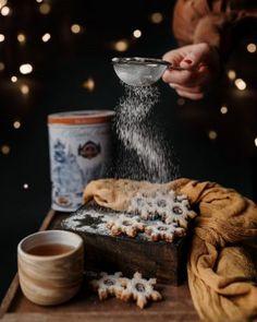 Sněhové pusinky   Na skok v kuchyni V60 Coffee, Coffee Maker, Kitchen Appliances, Coffee Maker Machine, Diy Kitchen Appliances, Coffee Percolator, Home Appliances, Coffeemaker, Domestic Appliances