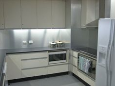 Brushed aluminium splashback!
