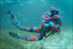 "fuckedupknitting:  "" (via Artist creates intricate underwater crochet designs 