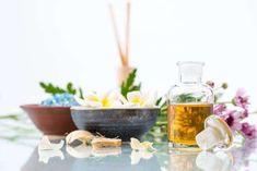 Få ren hud med 8 naturlige produkter - Veien til Helse Detox Your Home, Sent Bon, Cheap Trick, House Smells, Good Housekeeping, Diy Cleaning Products, Natural Health, Essential Oils, Fragrance