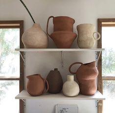 Mother of god ceramics - Marie Claire Pottery Vase, Ceramic Pottery, Slab Pottery, Thrown Pottery, Ceramica Artistica Ideas, Cerámica Ideas, Decor Ideas, Keramik Design, Creation Deco