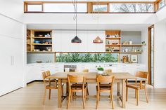 Californian bungalow family home from Inside Out magazine. Possibly my perfect kitchen, love love love it. My Living Room, Kitchen Living, New Kitchen, Home And Living, Long Kitchen, Kitchen Wood, Kitchen Interior, Home Interior Design, Cuisines Design