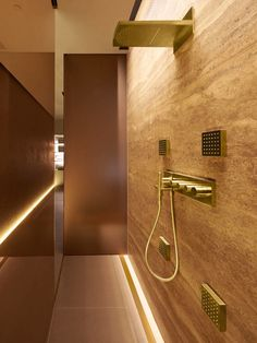 Four Seasons Hotel Spa, Milano Patricia Urquiola bathes with gold Contemporary Bathrooms, Modern Bathroom, Small Bathroom, Contemporary Shower, Contemporary Furniture, Patricia Urquiola, Bathroom Design Luxury, Bathroom Interior, Luxury Bathrooms