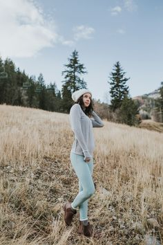 our sporty {Summit Half Zip, Zig Zag Print + slimming Millcreek Blue Go Soft Leggings} make for the perfect fitness or casual day outfit | @albionfit