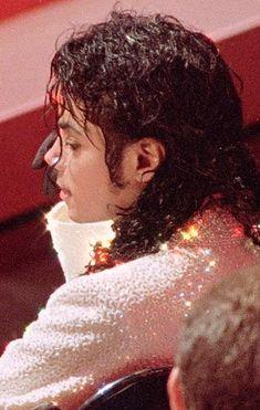 Michael Jackson the King of Pop ❤ Mike Jackson, Michael Jackson Bad Era, Jackson Family, Invincible Michael Jackson, Michael Jackson Wallpaper, Joseph, King Of Music, The Jacksons, Beautiful Men