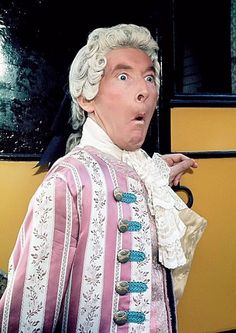 Kenneth Williams in Carry On Dick. Cult Movies, Funny Movies, Comedy Movies, Drama Movies, Film Movie, Films, Sidney James, Kenneth Williams, Star Wars