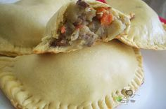 Nigerian Meat Pie recipe : How to make Nigerian Meatpie - Nigerian Food TV Nigerian Meat Pie, Nigerian Food, Pie Recipes, Cooking Recipes, Savoury Recipes, West African Food, Fish Pie, International Recipes, No Bake Cake