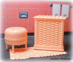 "Marx Mansion Vintage Dollhouse Fragile Bathroom Pieces 3 4"" Fits Renwal 