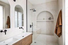 Projet Ranelagh   Caroline Andréoni Appartement Design, Piece A Vivre, Terrazzo, Bathroom Inspiration, Bathtub, Home Decor, Apartment Ideas, Bathrooms, Decoration