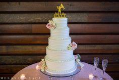 Planner: Angela Proffitt Venue: Leadership Lodge, Nashville Photographer: Melanie Grady Photography