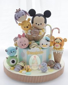 "1,660 Me gusta, 28 comentarios - CFORCUPCAKES by Clara (@cforcupcakes) en Instagram: ""#Cake#fondant#sugar#customize#cartoon#handmade#decoration#3d#3dcake#kue#cakes#designcake#customcake#ulangtahun#birthdaycake#tortas#celebracion#bolo#ilovecakes#fiesta#instacake#biscuit#cute#pastel#torte#cakeart#sculptingcake"""