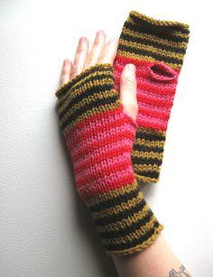 Knit Mittens, Knitted Gloves, Fingerless Gloves, Fair Isles, Wrist Warmers, Socks, Knitting, Trending Outfits, Crochet