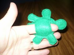Items similar to SAM Felt Finger Puppet - Tiny Tim Turtle on Etsy Felt Puppets, Puppets For Kids, Felt Finger Puppets, Jute Crafts, Craft Stick Crafts, Felt Crafts, Felt Monster, Softie Pattern, Finger Plays
