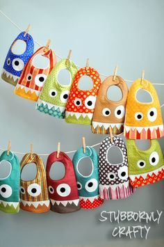 Monster Bib {Pattern & Tutorial} - Stubbornly Crafty put face on back of DIY tshirt Baby Sewing Projects, Sewing For Kids, Sewing Tutorials, Sewing Crafts, Sewing Patterns, Free Tutorials, Baby Bibs Patterns, Free Sewing, Diy Baby Bibs Pattern