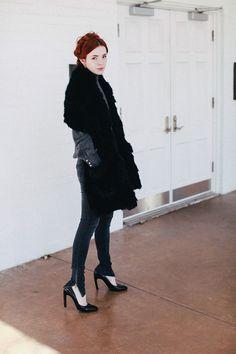 Keeping it Grey: Anine Bing Jeans,Dries Van Noten pumps,faux fur stole - Sea of Shoes