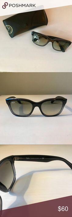 503a9567690 Ray-Ban Wayfarer Sunglasses Authentic Ray-Ban Wayfarer Sunglasses with  stylish cat eye frame. Poshmark
