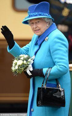 Business as usual as Queen becomes longest-reigning monarch Queen Kate, Royal Queen, Queen Elizabeth Ii, Isabel Ii, September 9, Queen Crown, Prince Phillip, Queen Of England, Queens