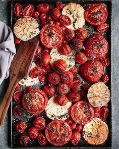 """541 gilla-markeringar, 11 kommentarer - Hannah Widell•Amanda Schulman (@hannahamandareport) på Instagram: """"Hösttips - olika sorters tomater, vitlök, timjan och fetaost på 180 grader i ugnen i 45 minuter är…"""""""