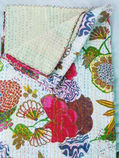 SALE SALE Queen Quilt-Beautiful white by Dormitoriodcor on Etsy