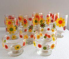Vintage Set of 12 Libbey Mod Retro Flower Power Glasses Footed Sherbet & Goblets