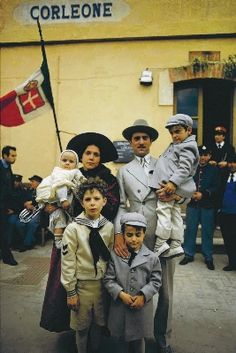 Vito Andolini aka 'Don Corleone' family in town Corleone Family, Don Corleone, The Godfather Part Ii, Godfather Movie, Gangster Movies, Films Cinema, Francis Ford Coppola, Gangsters, Scene Photo