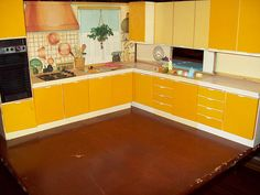 Would die for this kitchen in my doll house!!!!.