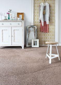 Creëer rust in je slaapkamer door te kiezen voor een effen kleur bijvoorbeeld een nude colour. #Dersimo