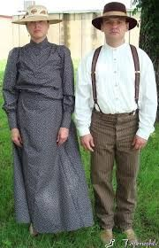 prairie dress costume ideas - also good for towns people. You can smile though. Western Dresses, Western Outfits, Historical Costume, Historical Clothing, Pioneer Trek, Pioneer Life, Pioneer Costume, Fashion Days, Fashion Outfits