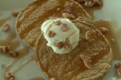 What a good breakfast if you want some healthy pancakes! And they are good too! Jamie Eason Pumpkin Pancakes!