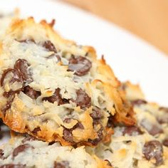 Almond Joy Cookies @keyingredient #chocolate