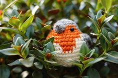 It's the pattern you've all been waiting for… welcome back to the March amigurumi CAL, Part 3: the English Robin! It's officially spring and the weather's still